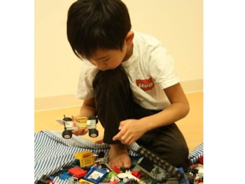 レゴ社が開発したカリキュラムで、遊びながら楽しく学ぼう!