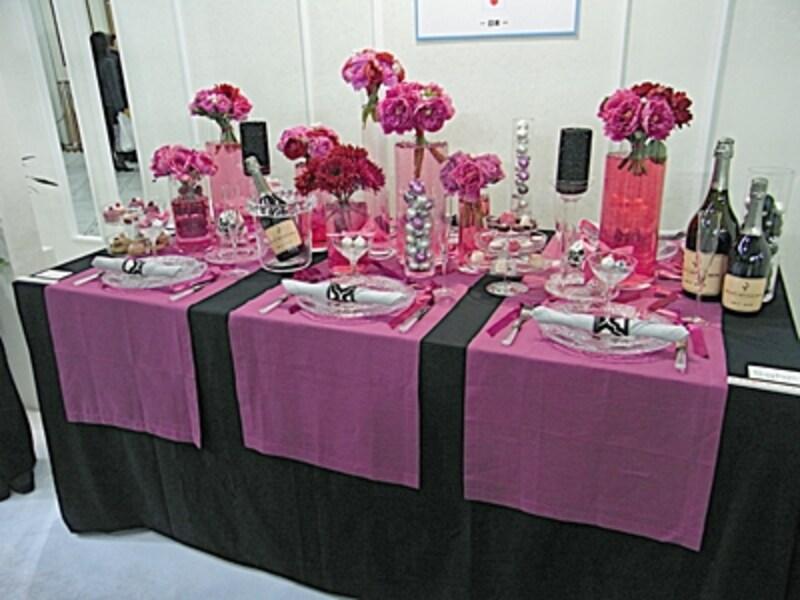 ピンクのテーブルコーディネート