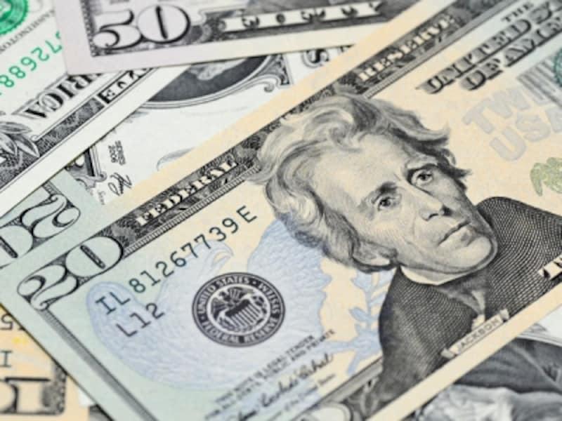 交通費やチップ、飲み物代など到着日だけでも現金を使う機会は多い