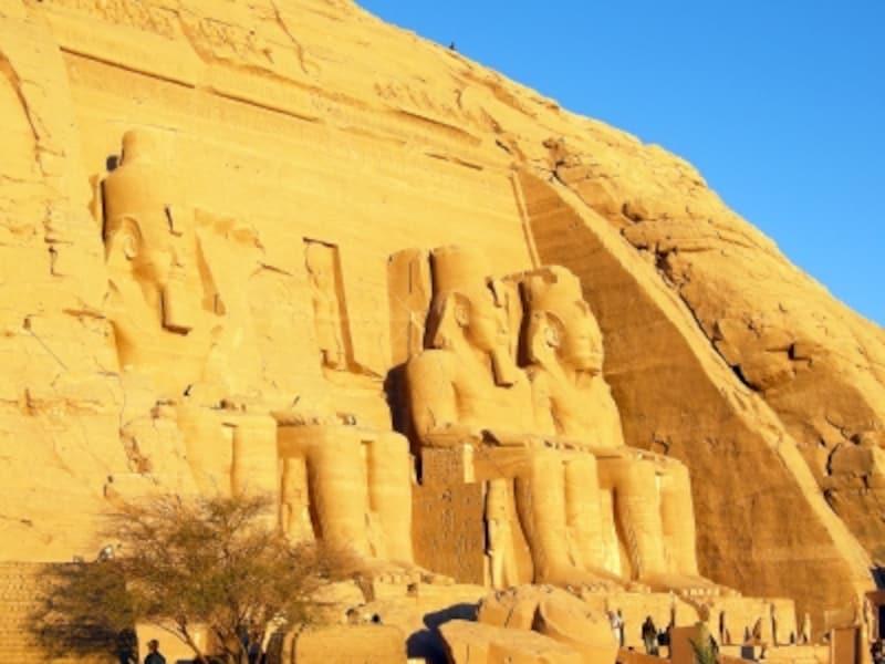 エジプトの世界遺産「アブシンベルからフィラエまでのヌビア遺跡群」のアブシンベル大神殿