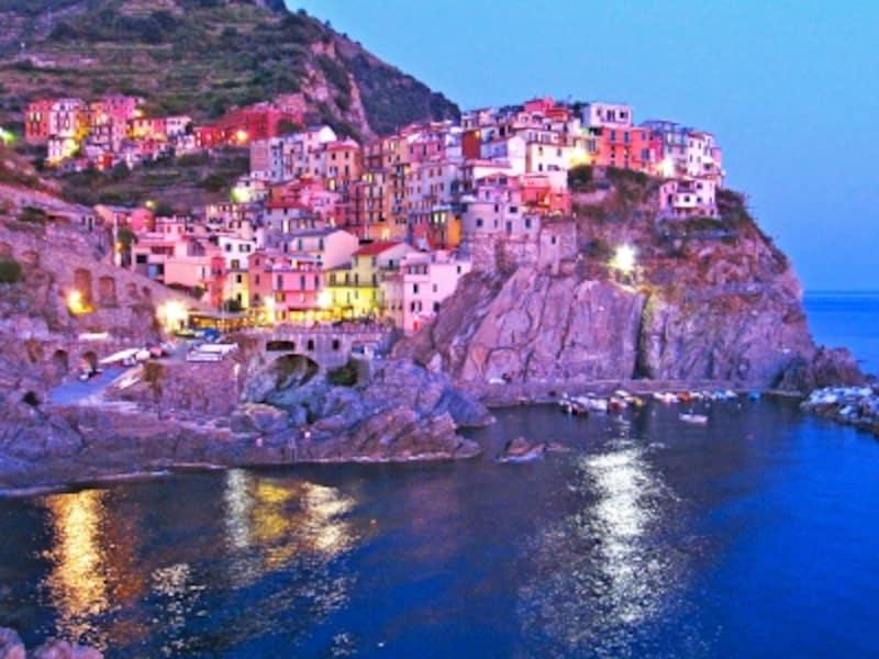イタリアの世界遺産「ポルトヴェネーレ、チンクエ・テッレ及び小島群[パルマリア、ティーノ及びティネット島]」、マナローラの街並み