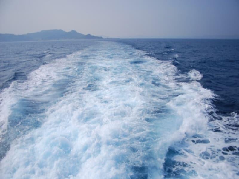 久高島行きの船