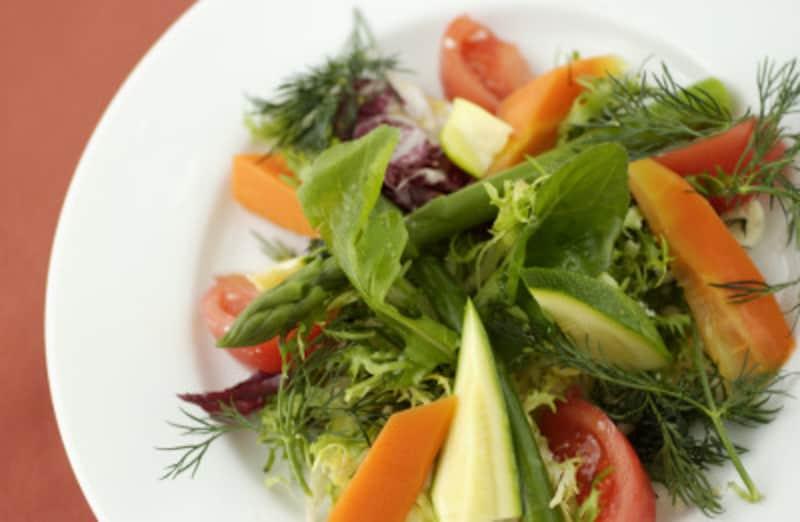 「ローフードダイエット」のコツは生野菜や果物をたくさん食べること!