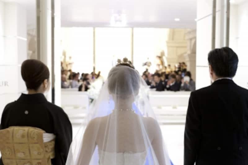 結婚式の費用は高額傾向。両家で費用分担をしっかり決めておきたい