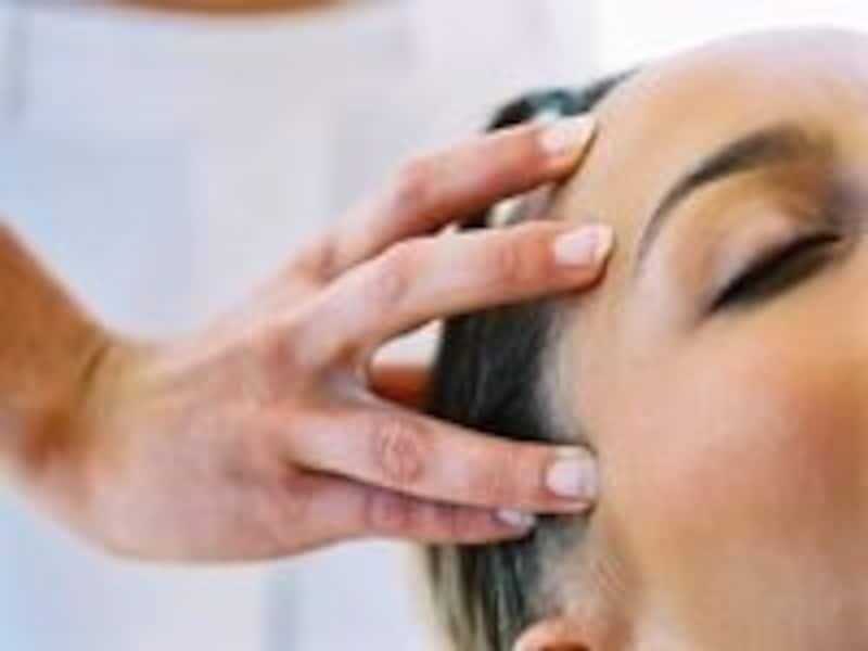 頭皮の皮脂腺はTゾーンの約2倍!