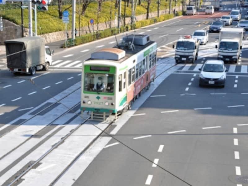 都電荒川線 早稲田駅(新宿区)から三ノ輪橋駅(荒川区)までの12.2km