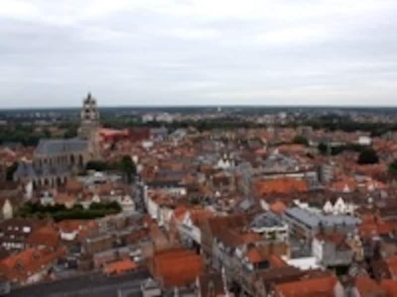 世界遺産の町並みを眺める