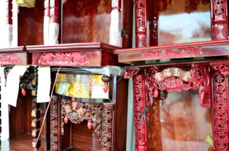神道で仏壇にあたる「祖霊舎」、位牌にあたる「霊璽」とは