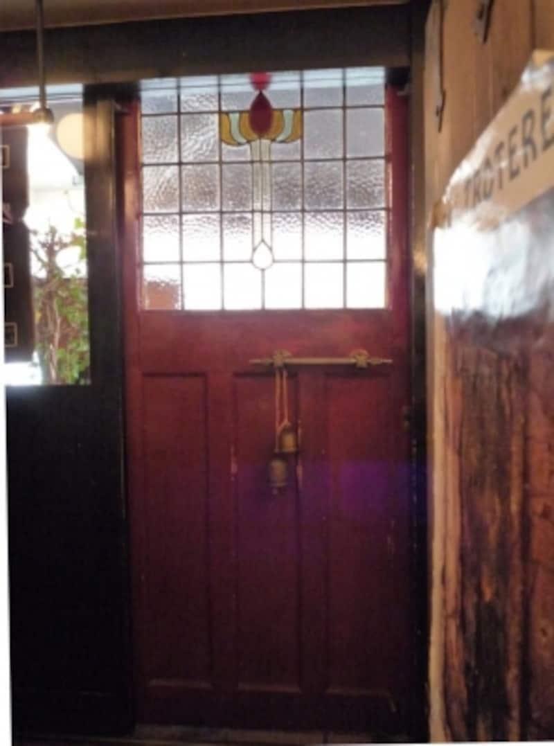 オステリア・バスティーユの扉