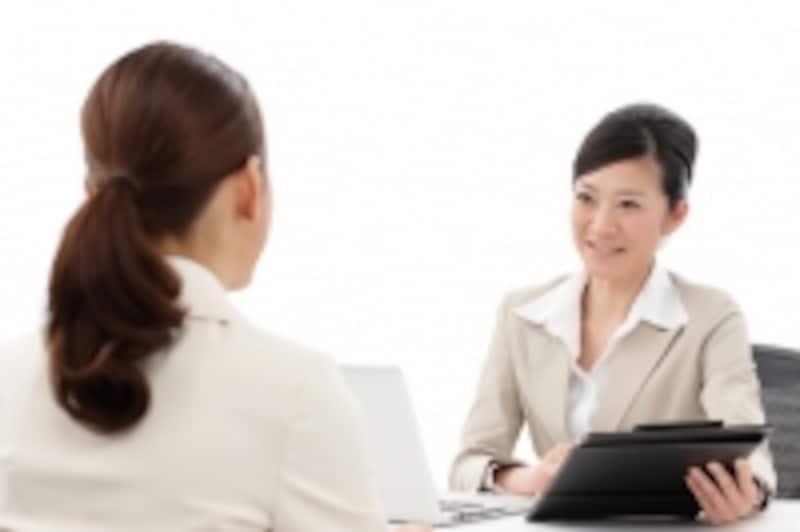 看護師の人材紹介会社によっては、サイトでの仮登録を行った後、担当者(転職エージェント)との面談を義務づけている場合があります