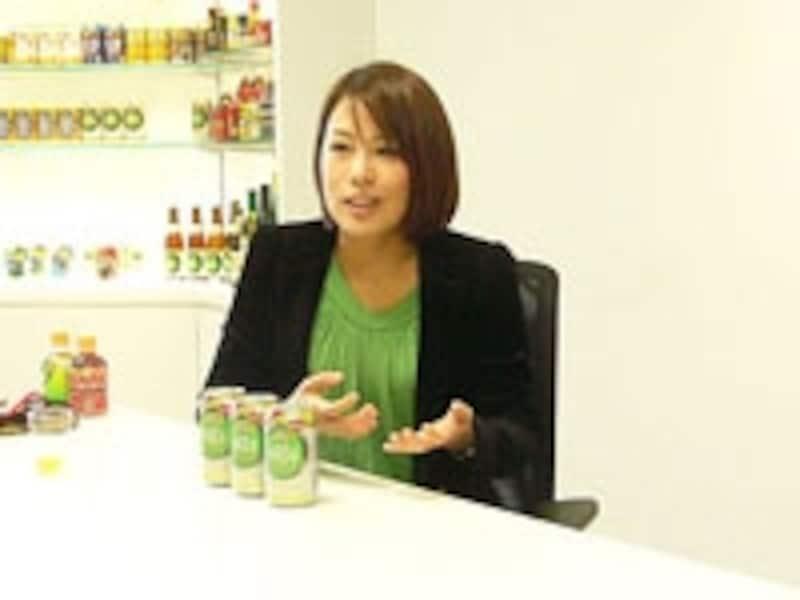 ノンアルコールビール「フリー」のプロジェクトマネージャーを務めた梶原奈美さん