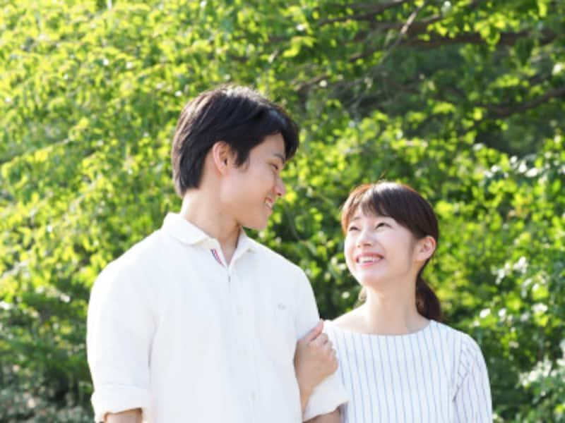 恋愛本気モードの男性の心理・行動:好きな女性の前では、誰もが優しくて理解ある男を演じます