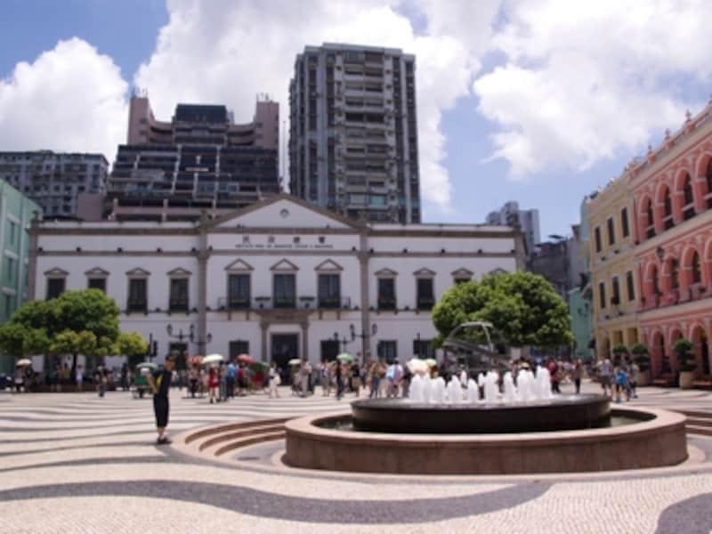マカオ観光の拠点となる「セナド広場」