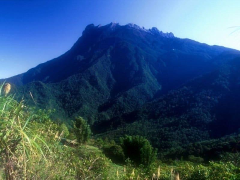 ボルネオ島のキナバル山