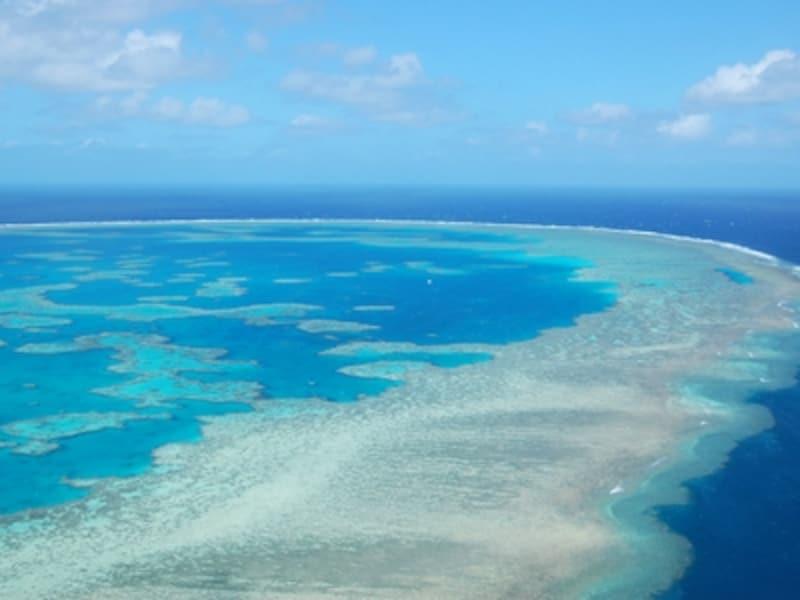 世界最大のサンゴ礁「グレートバリアリーフ」
