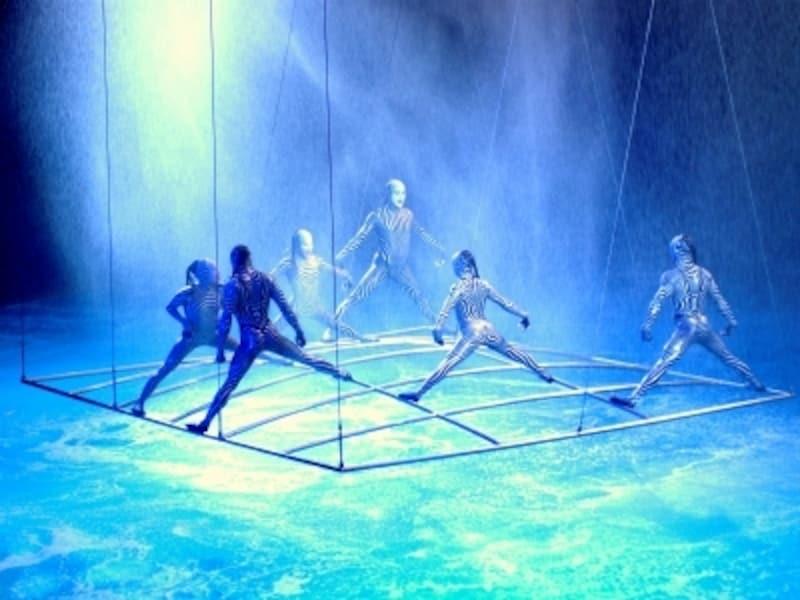 シルク・ド・ソレイユの一番人気のショー「O(オー)」