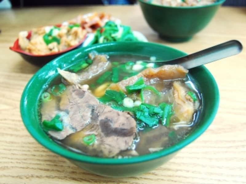 ミシュランガイド台北の牛肉麺は女性に人気
