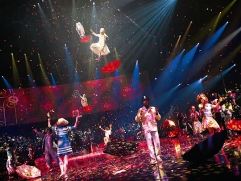 ビートルズの曲がシルクドソレイユの舞台にどう花を添えるのか?
