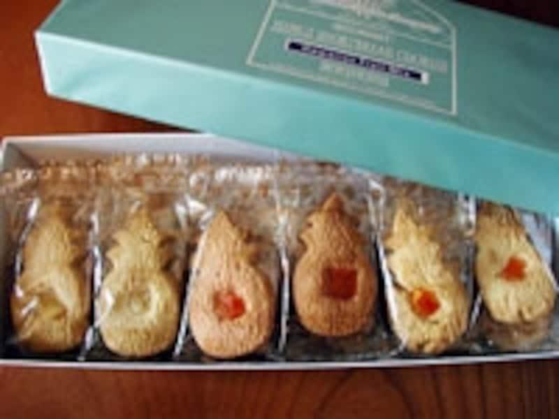 個別包装でばらまき用にもおススメなパイナップル型クッキー