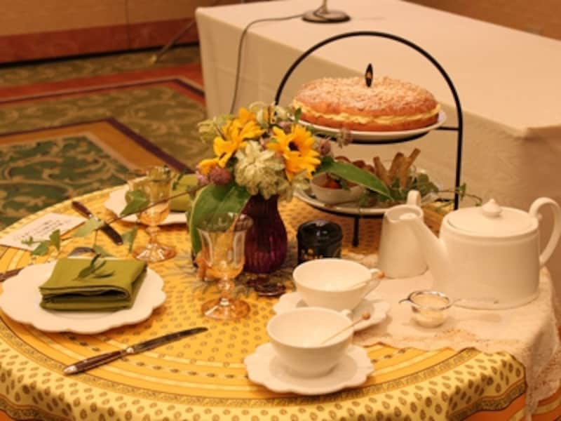 プロヴァンスをイメージしたテーブル