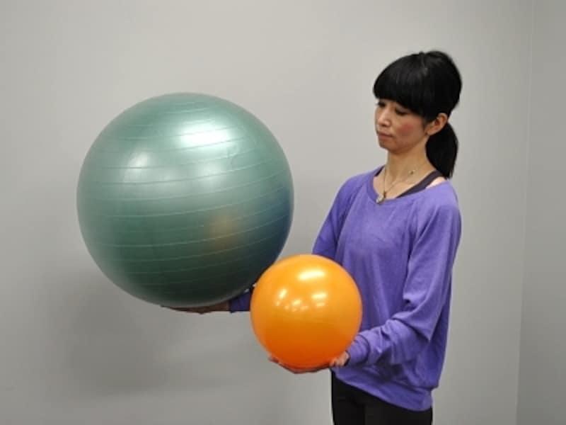 左ボール55cm/右ボール20cm