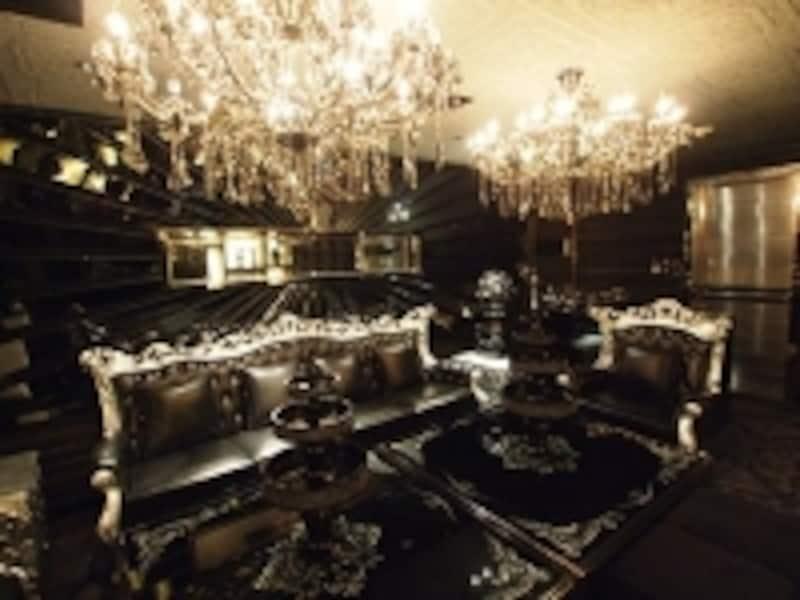 2階部分には複数の豪華VIPルームも(c)ClubCubic