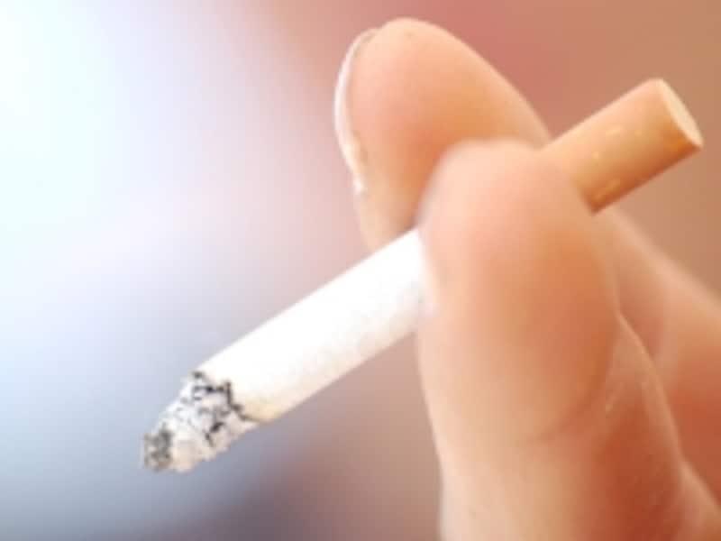 タバコは高い上に、吸える場所もかなり限られる