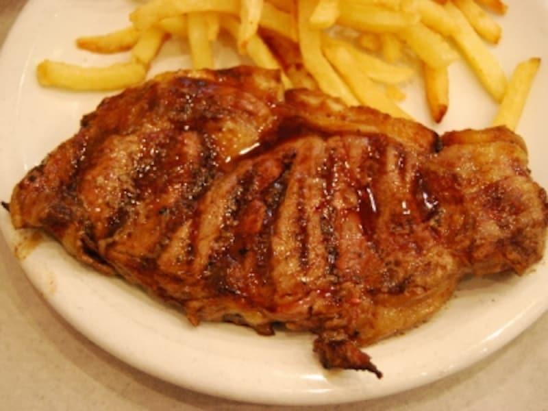 ブエノスアイレスでは、豪快な牛肉料理を試してみよう