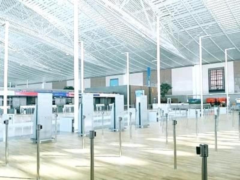 混雑しがちな空港だからこそ、余裕ある広さで設計されました