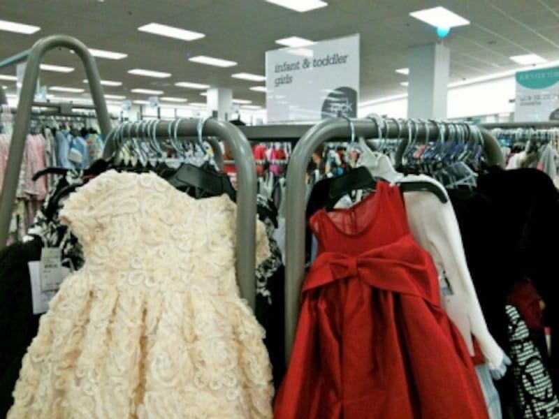 掘り出し物ザクザクの子供服は要チェック!ピアノの発表会や結婚式に使えるドレスもある