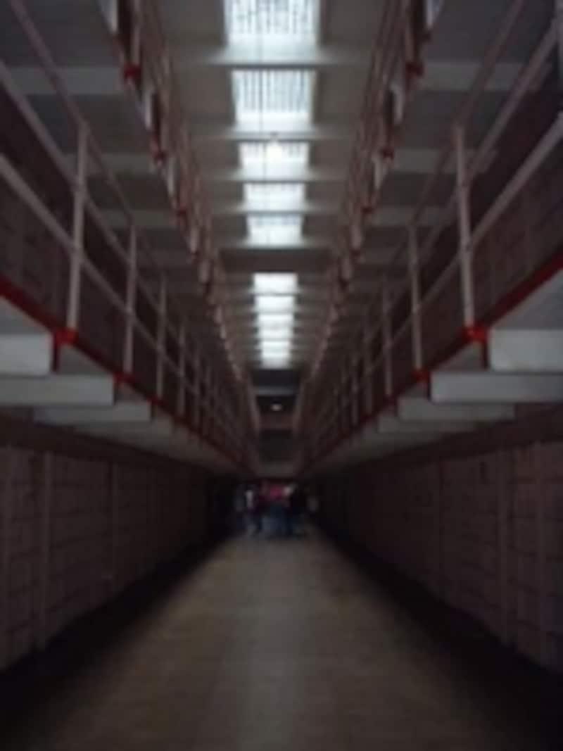 映画で見たことのあるアメリカの刑務所のスタイル