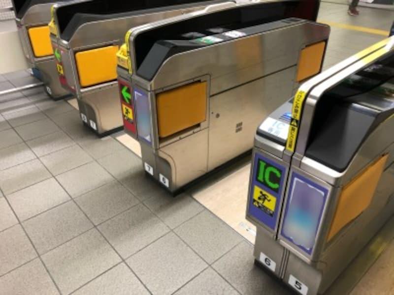 ICカード専用の自動改札機も!