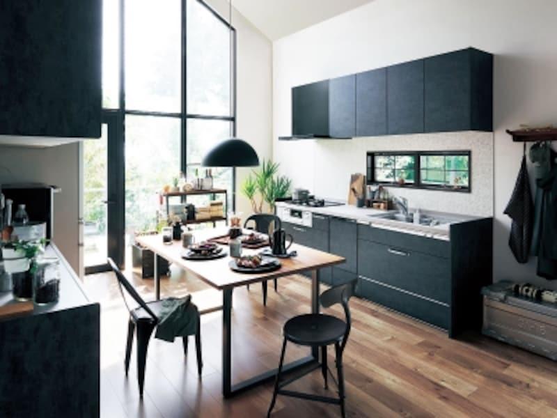 ネイビーな色のキッチン