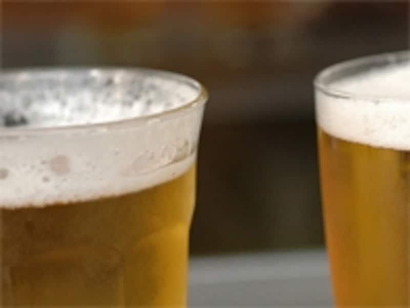 猛暑とビール銘柄株価の関係は?