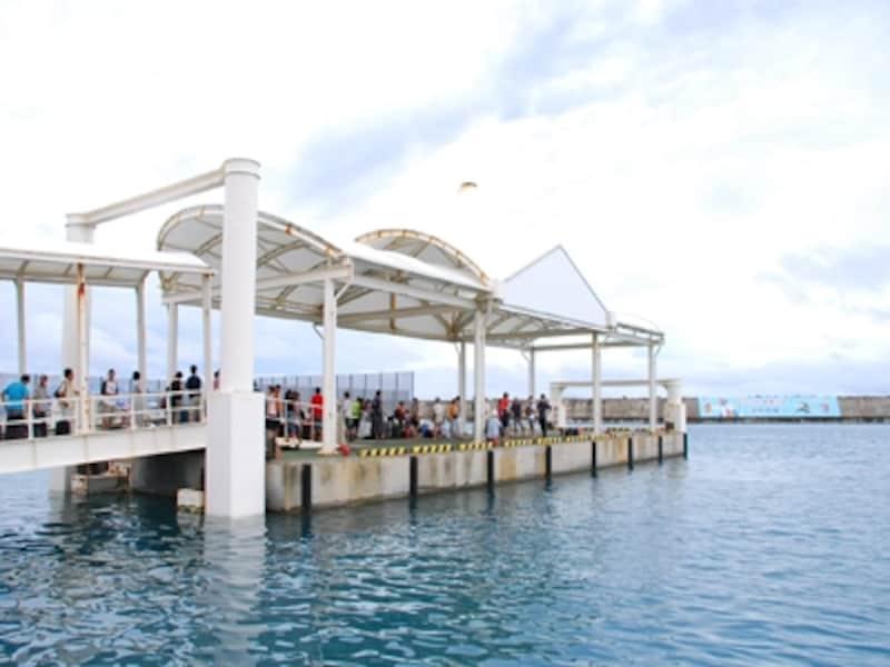 台風前の港