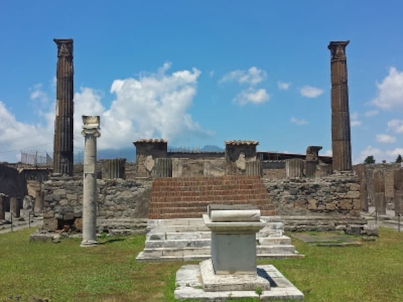 太陽の神アポロを祀ったアポロ神殿
