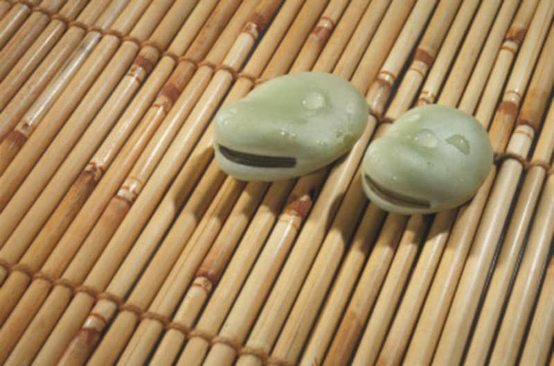 竹ラグはひんやり乾いた触感が魅力。的確なケアで長く楽しんで
