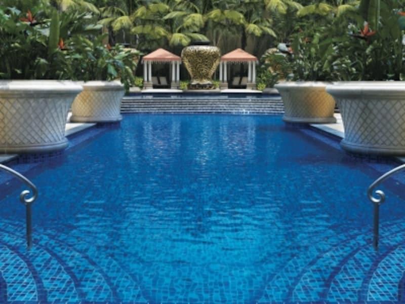 屋外温水プール