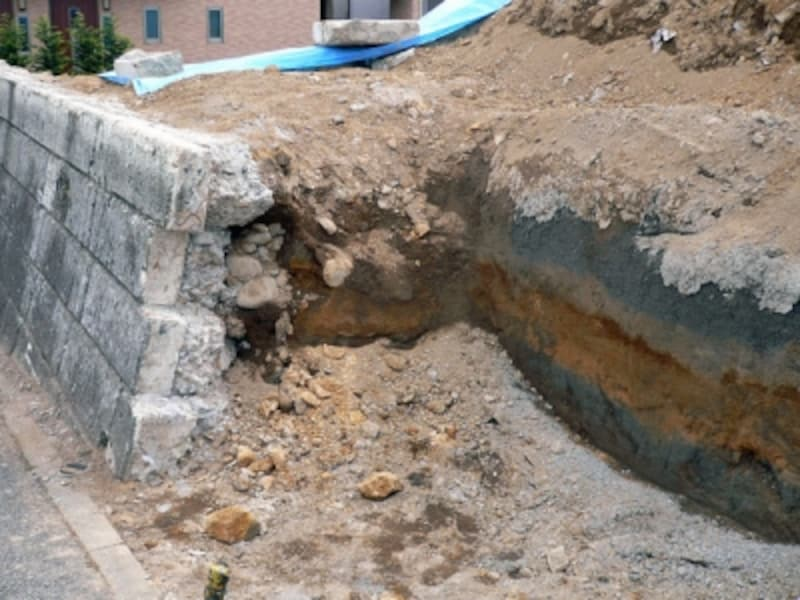 造成工事中の古い擁壁