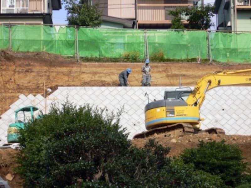 築造工事中の擁壁