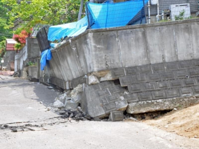 東日本大震災で被害を受けた擁壁