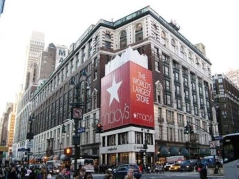 いつも混雑している巨大デパートは、ニューヨークの名物