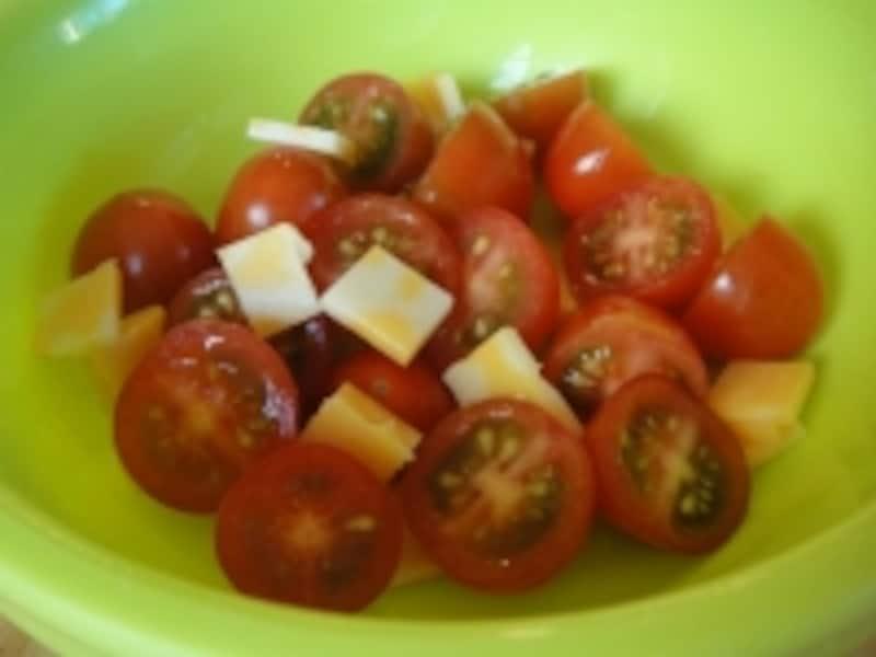 カットミニトマト