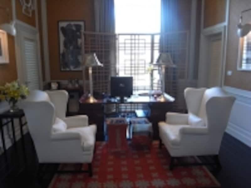 オリエンタルな雰囲気のレセプションルーム