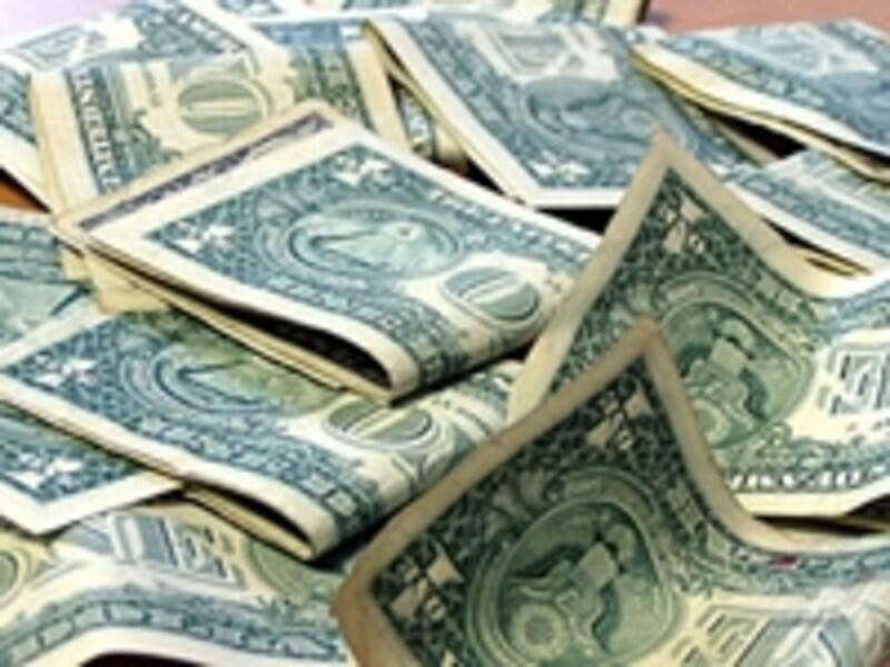 アメリカの財政赤字問題に反応するように、米ドル安が続いている。
