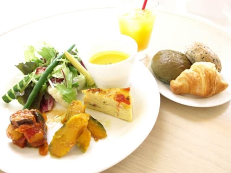 ベジタブルプレート(1200円)。野菜を主役に、素材の持ち味をいかしたプレート。