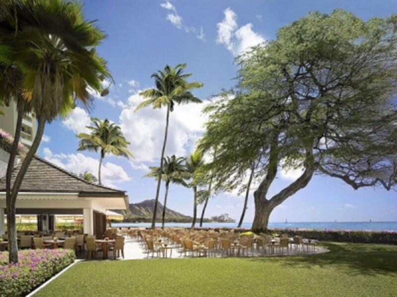 ハワイ語で天国(LANI)の館(HALE)の名を持つハレクラニ。毎年数々のホテルアワードを受賞