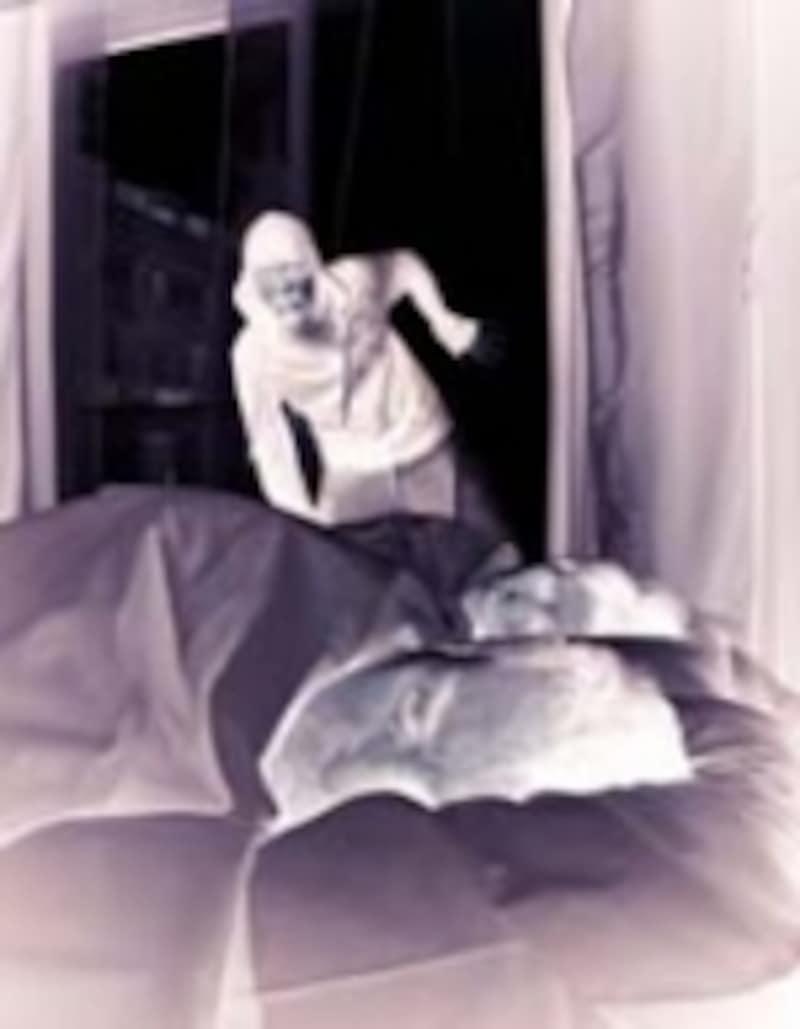 就寝中の侵入者