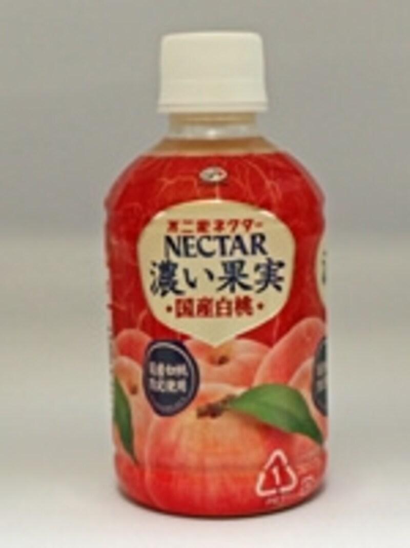 原材料は、桃果汁40%、糖類、香料など。まったりと濃厚で甘いのが特徴