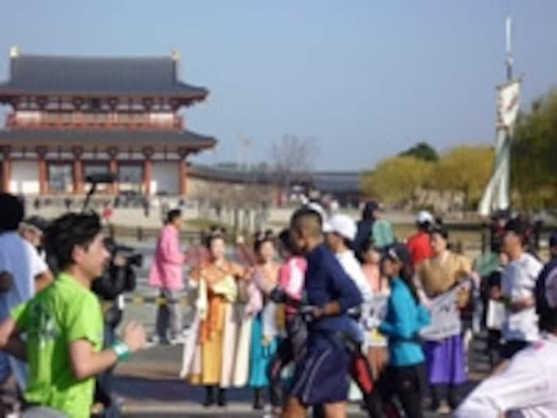 2011年12月に第一回が実施された奈良マラソン。古都を走れる魅力が人気を呼んだ